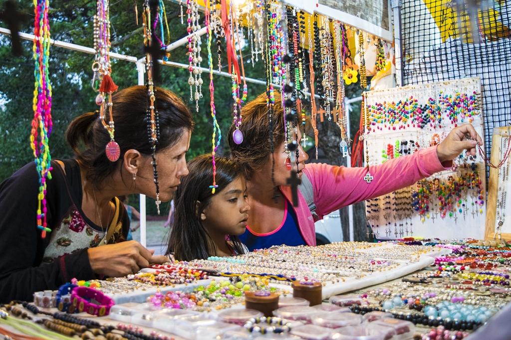 Feria artesanal y de manualidades aut ctonas - Feria de manualidades en barcelona ...